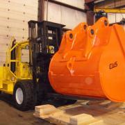 Moving a Huge Mining Bucket